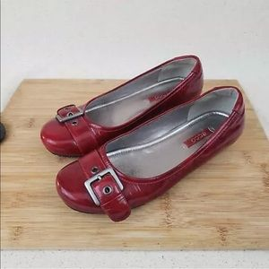 Ecco Red Patent Leather Buckle Toe Low Heel Shoes